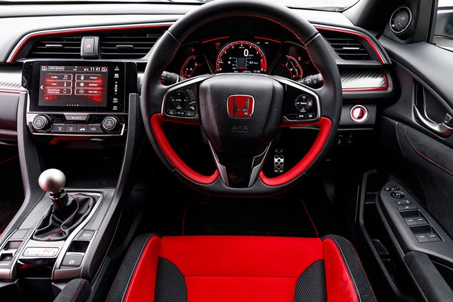 Red trim interior: Honda Civic Type R 2017